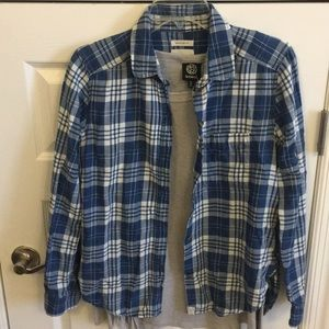 Small plaid long sleeve shirt